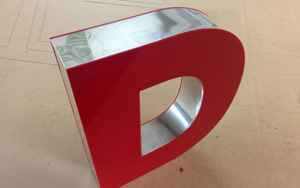 3D Buchstabe, hergestellt von Schickerei Werbetechnik