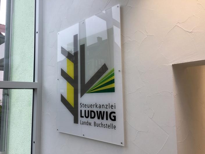 Acrylglas-Schilder, Firmenschilder, Schickerei Werbetechnik