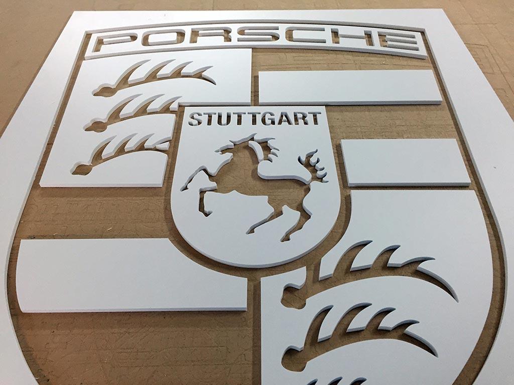 Hartschaum-Buchstaben, hergestellt von Schickerei Werbetechnik