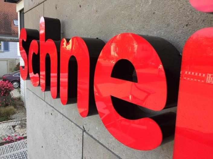Leuchtbuchstaben, hergestellt von Schickerei Werbetechnik