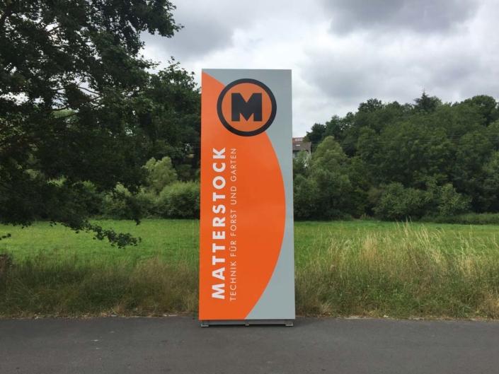 """Werbepylon """"Matterstock"""", hergestellt von Schickerei Werbetechnik"""